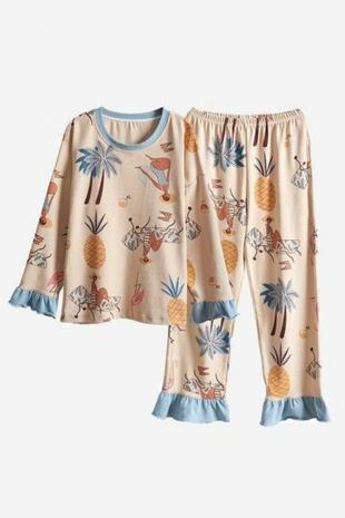 ÇeyizeDairHerşey - Bej renkli fırfırlı sıfır yaka özel tasarım çiçek desenli bayan pijama takımı (1)