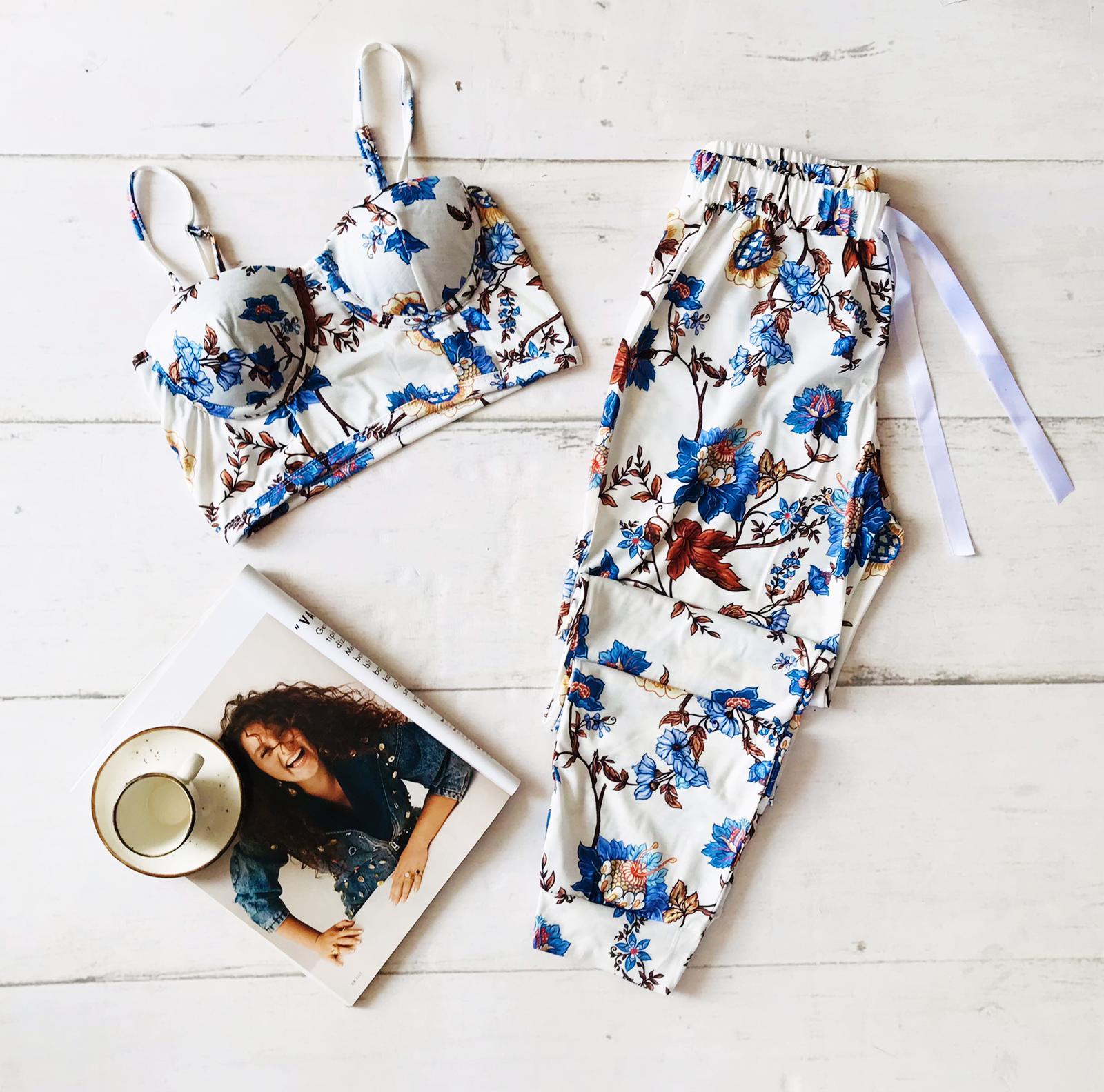 ÇeyizeDairHerşey - Çiçek desenli büstiyerli penye pijama takımı