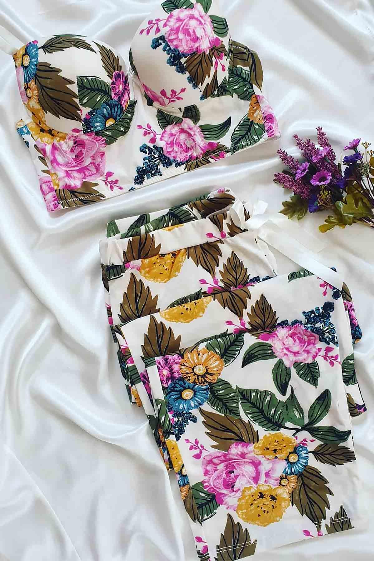 ÇeyizeDairHerşey - Mor çiçek desenli büstiyerli pijama takımı